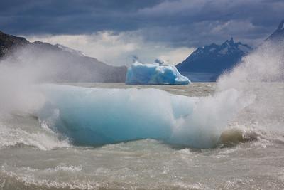Icebergs at Grey Lake, Torres del Paine NP, Patagonia, Chile