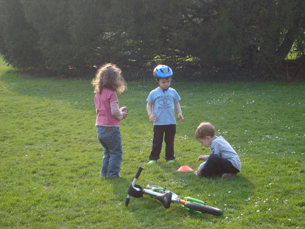 Kaili, Jack & Findlay figuring out the rugby ball / tee