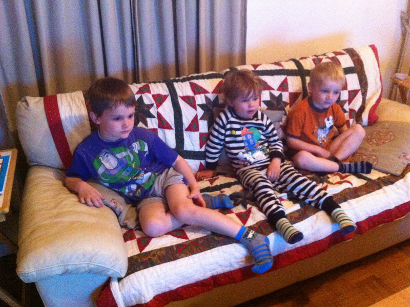 Sarah, Chris, Roy & Annika stayed over on their way to Freiburg for the weekend: the boys were thrilled!