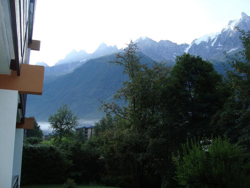 Sun coming-up over les Aiguilles de Chamonix