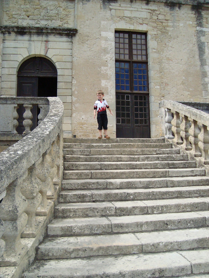 We went to Duras to grab a bite to eat & look around the castle