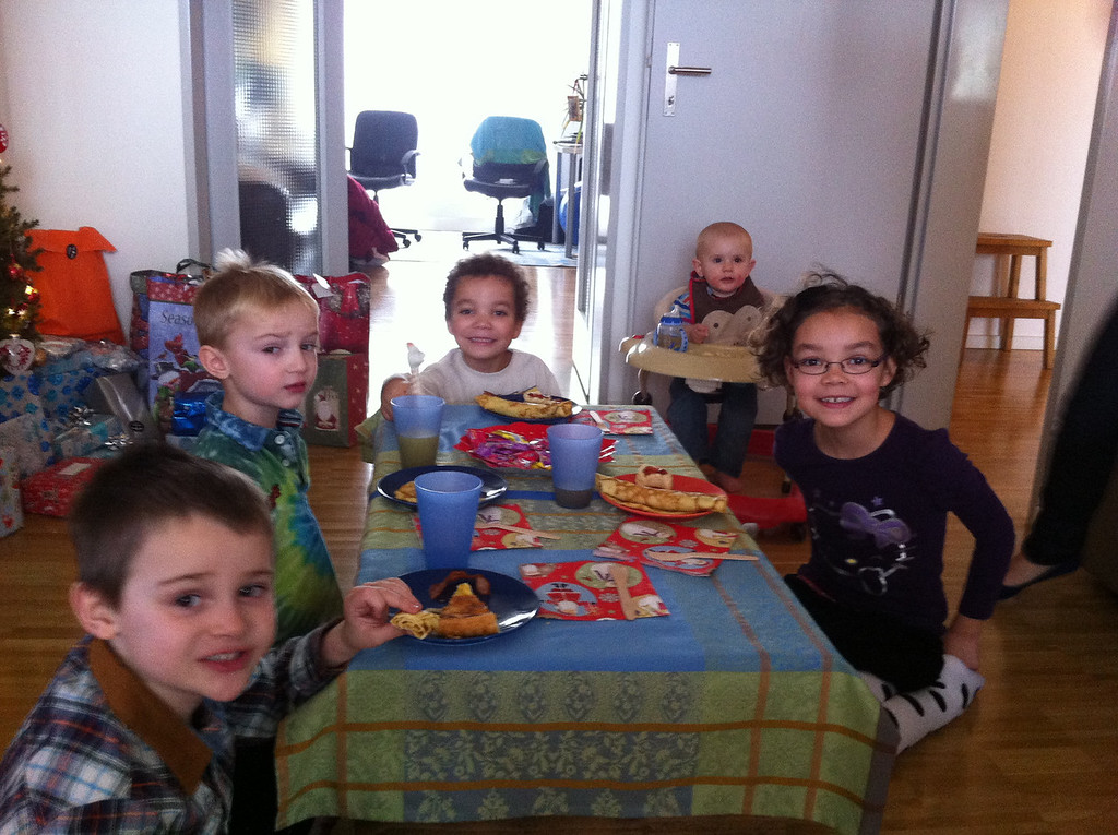 Kiddie brunch table