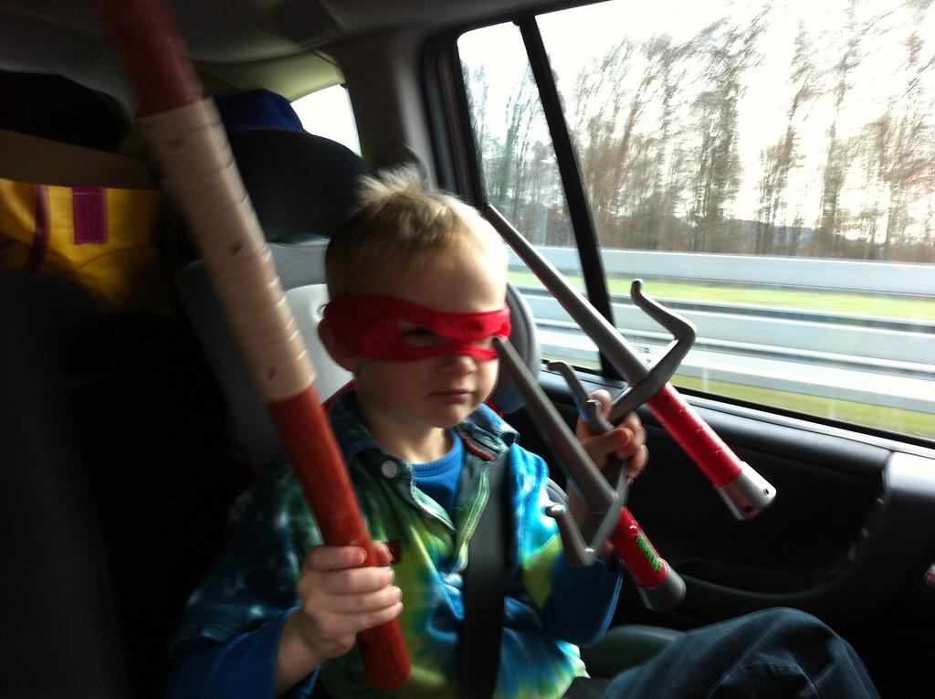 Danny got DOUBLE ninja-turtled-up preparing to take-on Josh in Chamonix