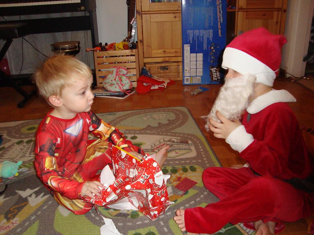 039 Hi Santa