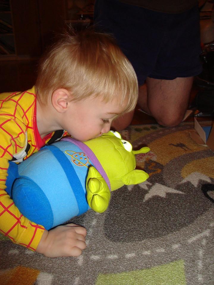 Kisses for the little green man