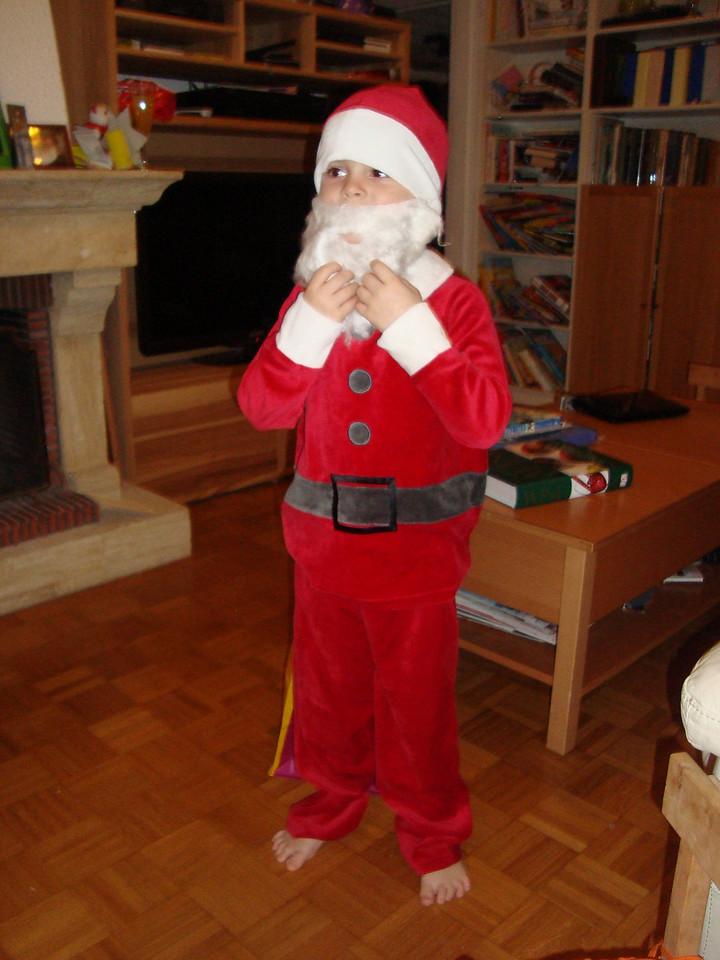 035 Santa Claus