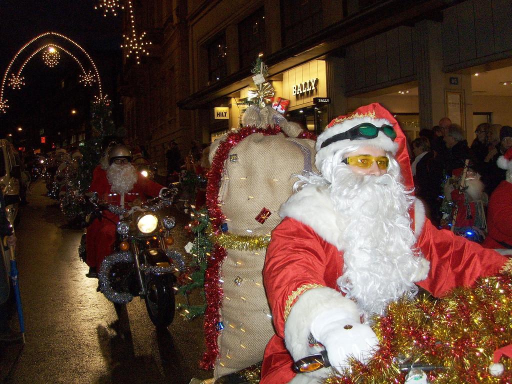 023 Santas on Harleys