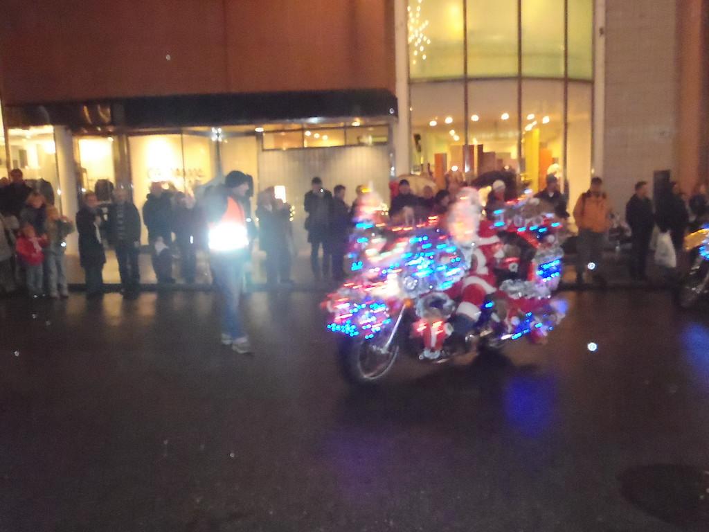 029 Santas on Harleys