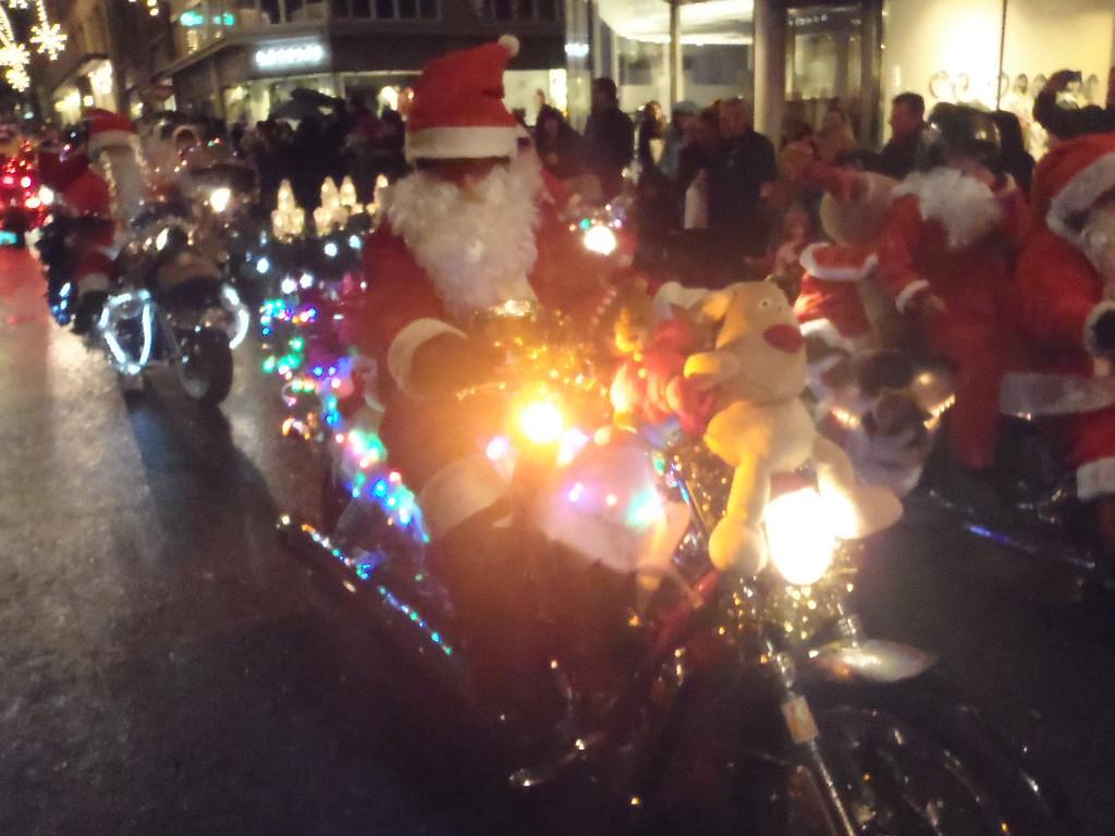 039 Santas on Harleys