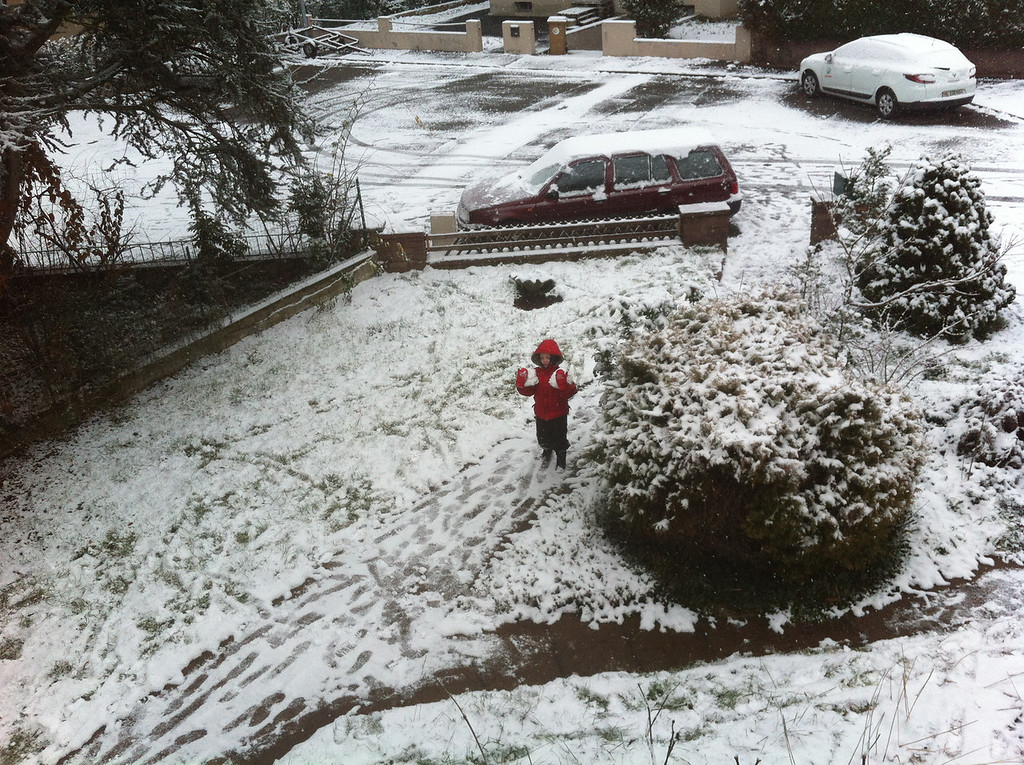 On Sunday morning we had snow! The boys were thrilled. This is Danny being Santa & fetching me presents :-)