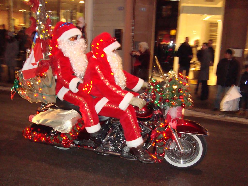 022 Santas on Harleys