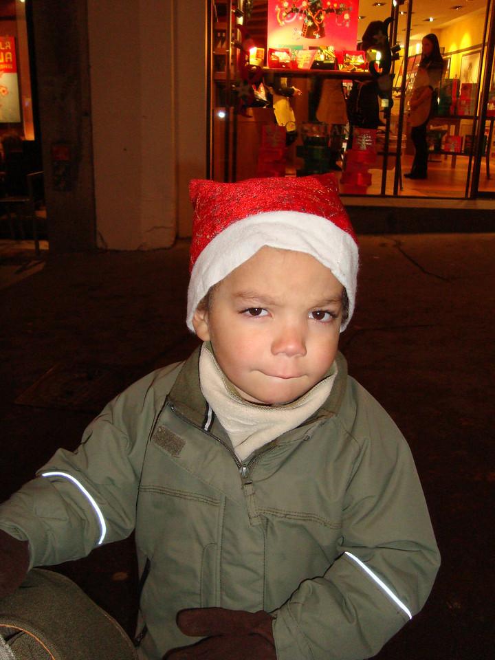 028 Cullens Xmas Hat