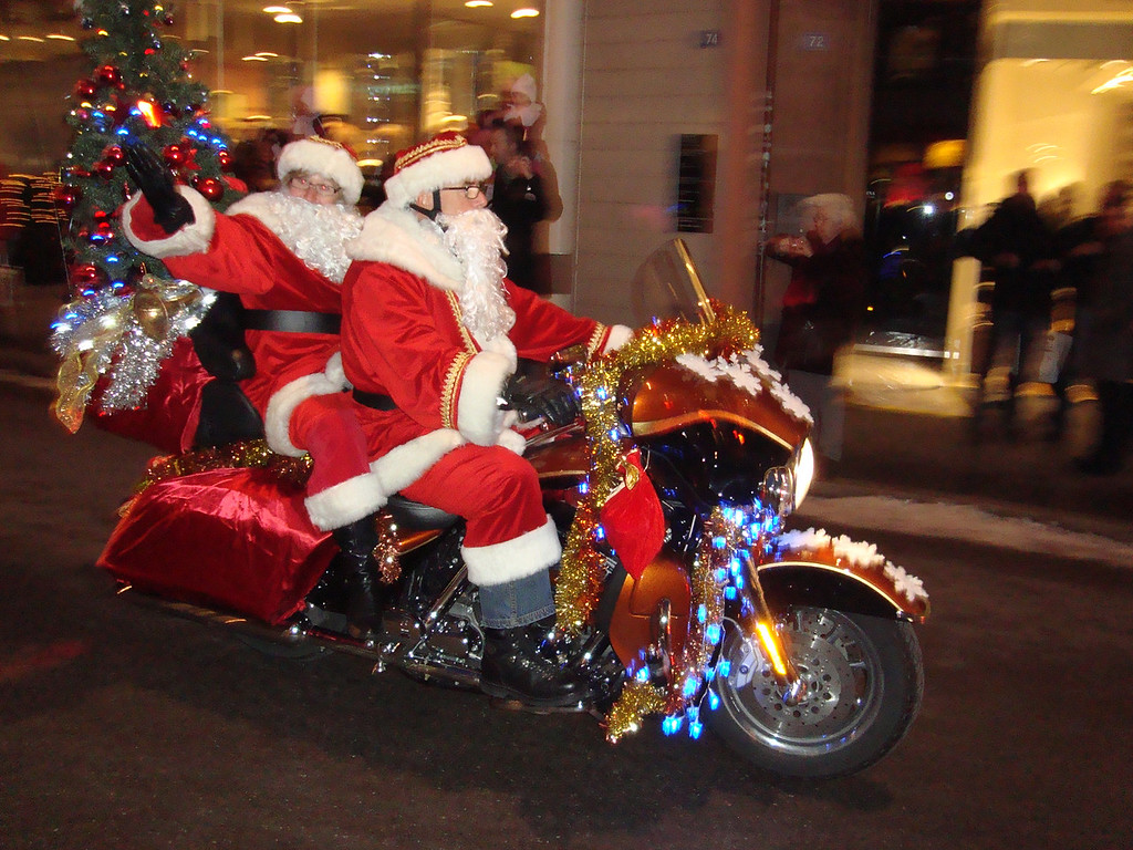 021 Santas on Harleys