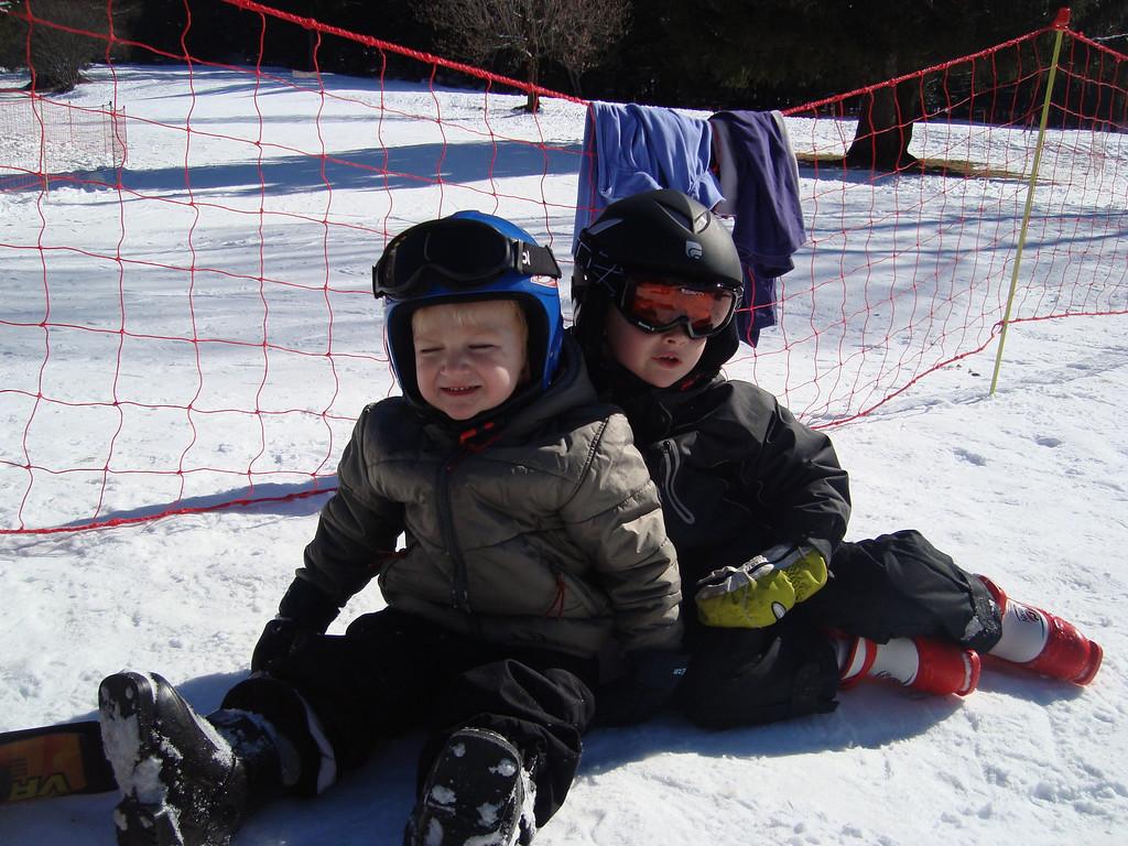 041 Skier Boys