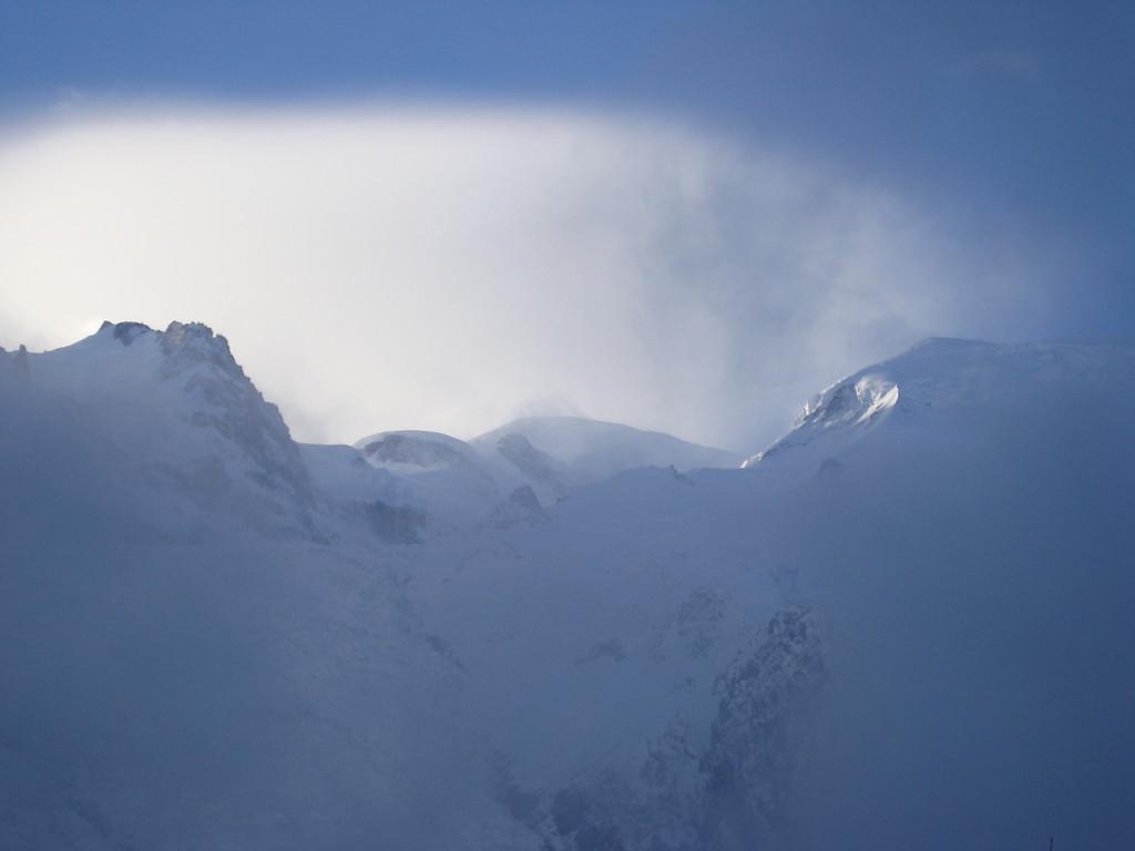 023 Mont Blanc Hiding