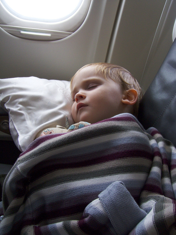 Jack was pretty poorly with an ear & a chest infection leading up to our trip to the UK. Thanks to his childminder (what a star!) we got to the doctor the evening before we travelled and got all the right medication so we had a peaceful flight.