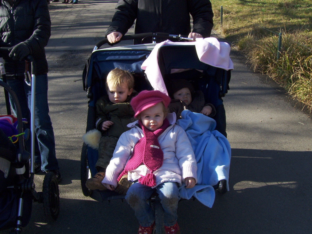 Sophia turns a double-buggy into a triple so that Jack can put his feet up for a while