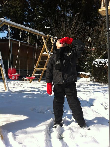 013 Eating Snow