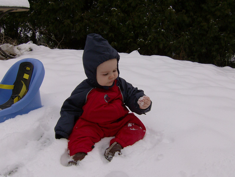 Jack was quite fascinated by the snow. However, about 20 seconds later he was really bawling because his hand was cold.