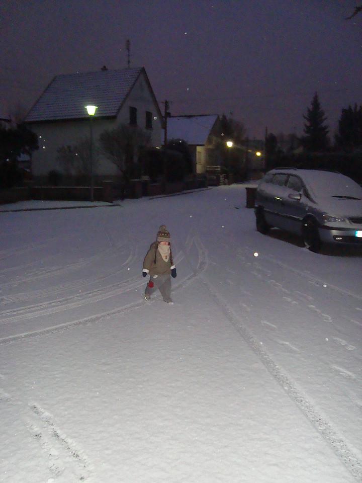 012 Snowy Morning Walk to Tatas