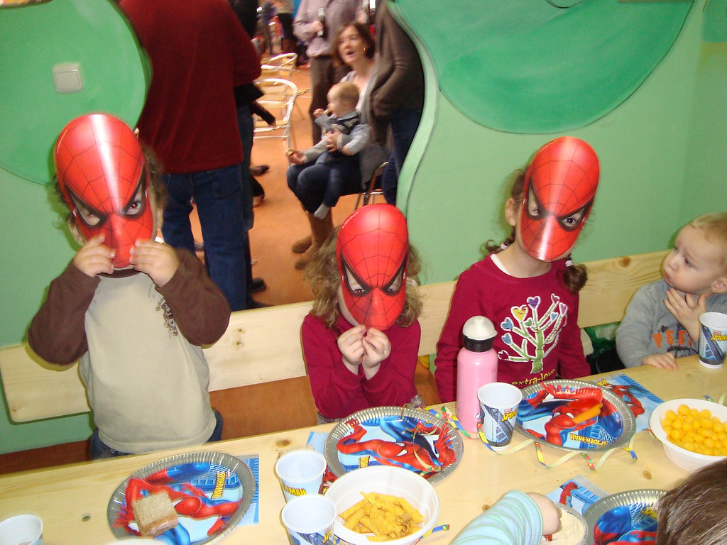 043 Scary Spidermen