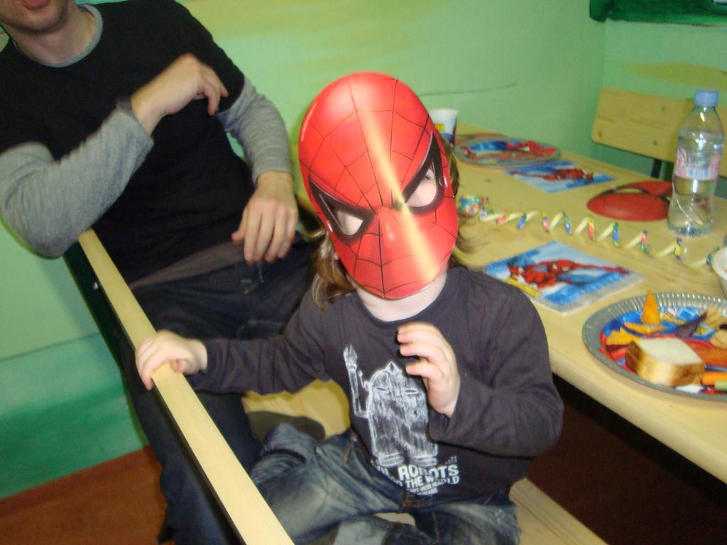 045 Spiderman Olly