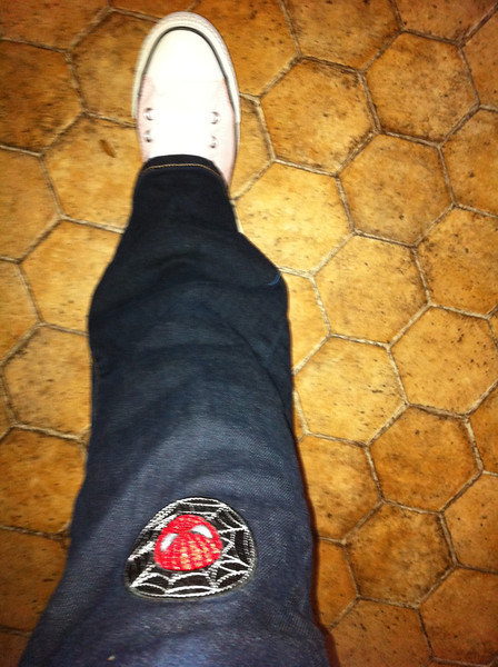 Stylin (by my standards!) with a Spiderman patch on the hole in my jeans & my new 10 Euro pink Converse