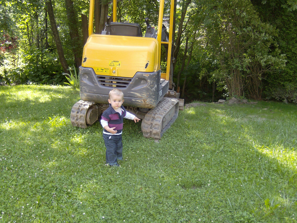 Jack wanted to make sure we knew there was a digger in our back garden.