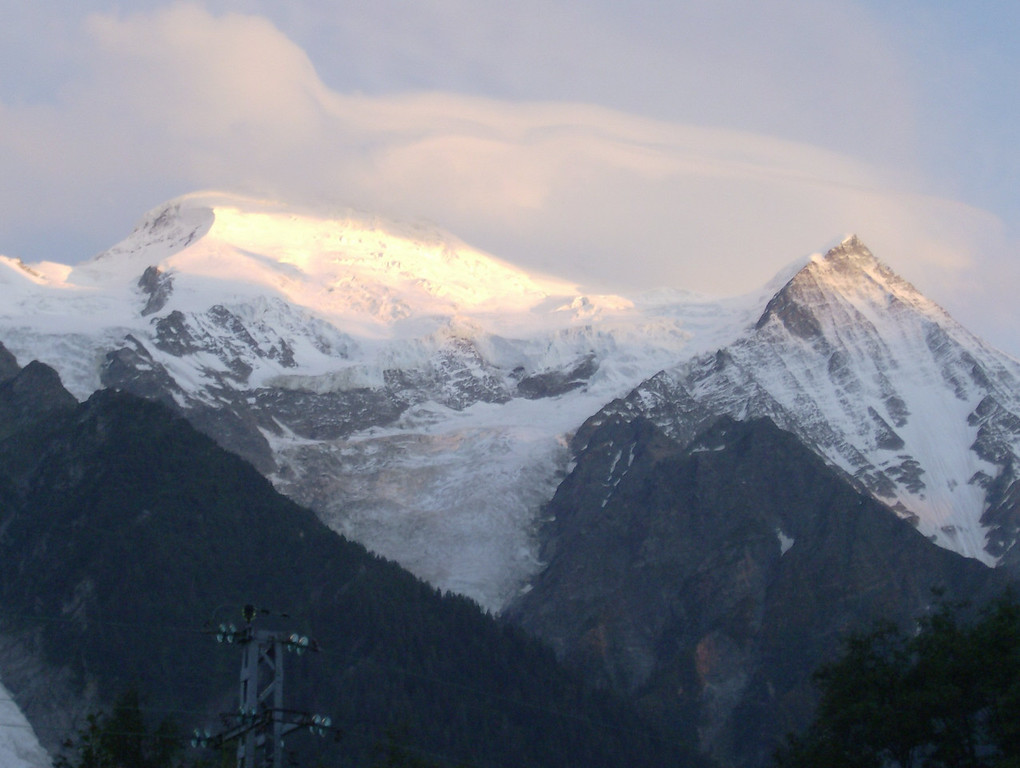 Pink sunset on the Dome & Aiguille du Gouter