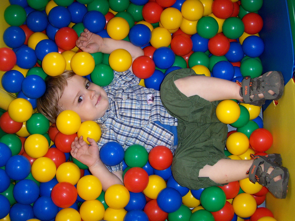 040 Drowning in the Ball Pit