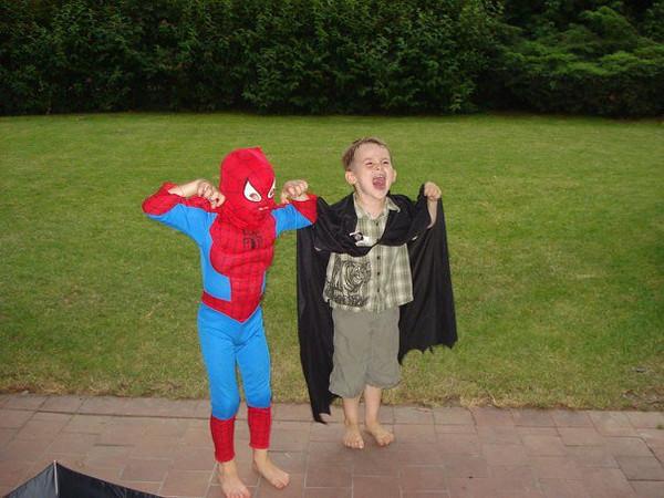 040 Superheroes