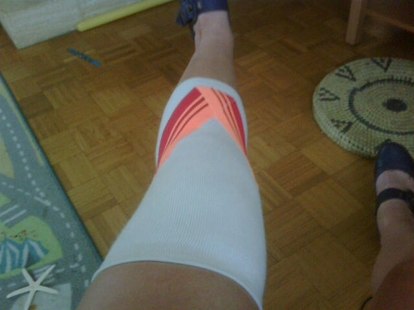 This *very* sexy bandage was needed to try & bring down a tonne of swelling in my knee - hurt it in the first game of the tournament