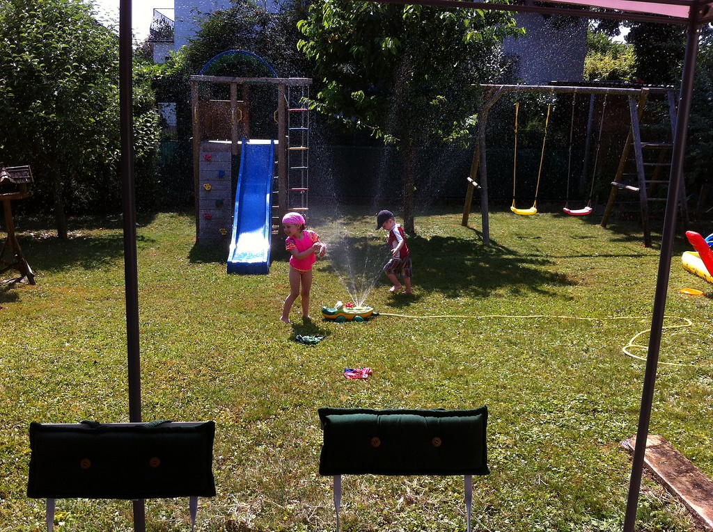 048 Sprinkler Fun