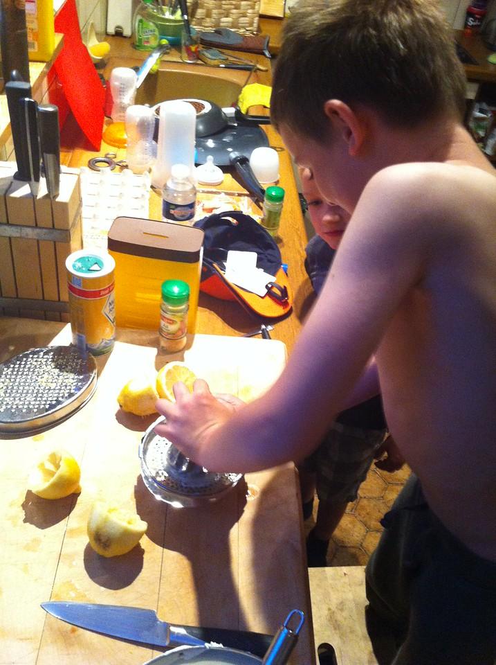 059 Juicing Lemons