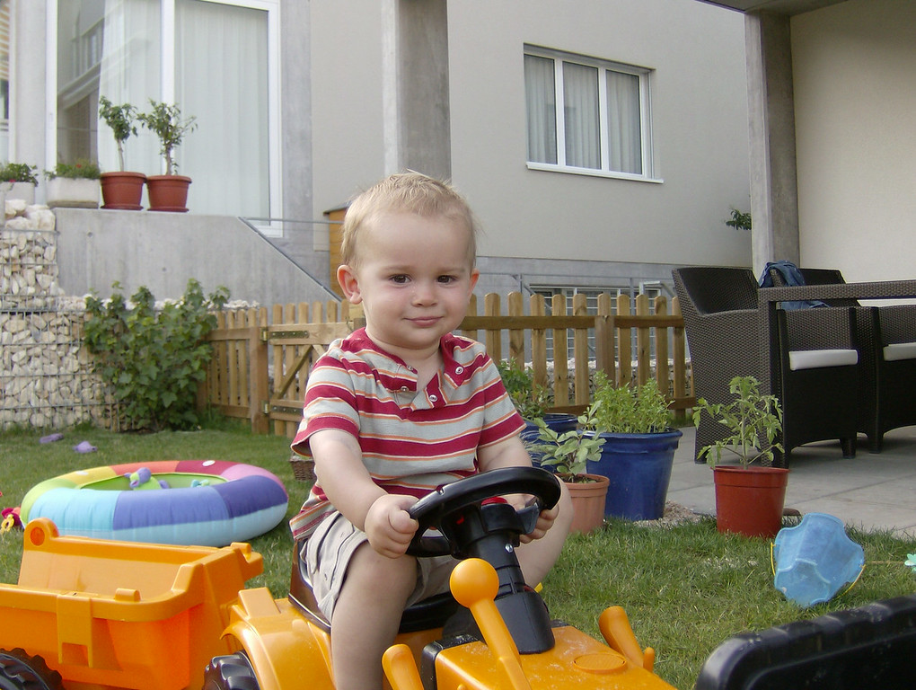 Brum, brum on the tractor.