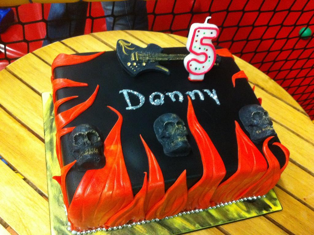 006 Rock n Roll Cake