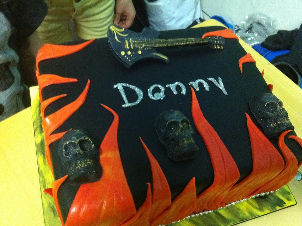 004 Rock n Roll Cake