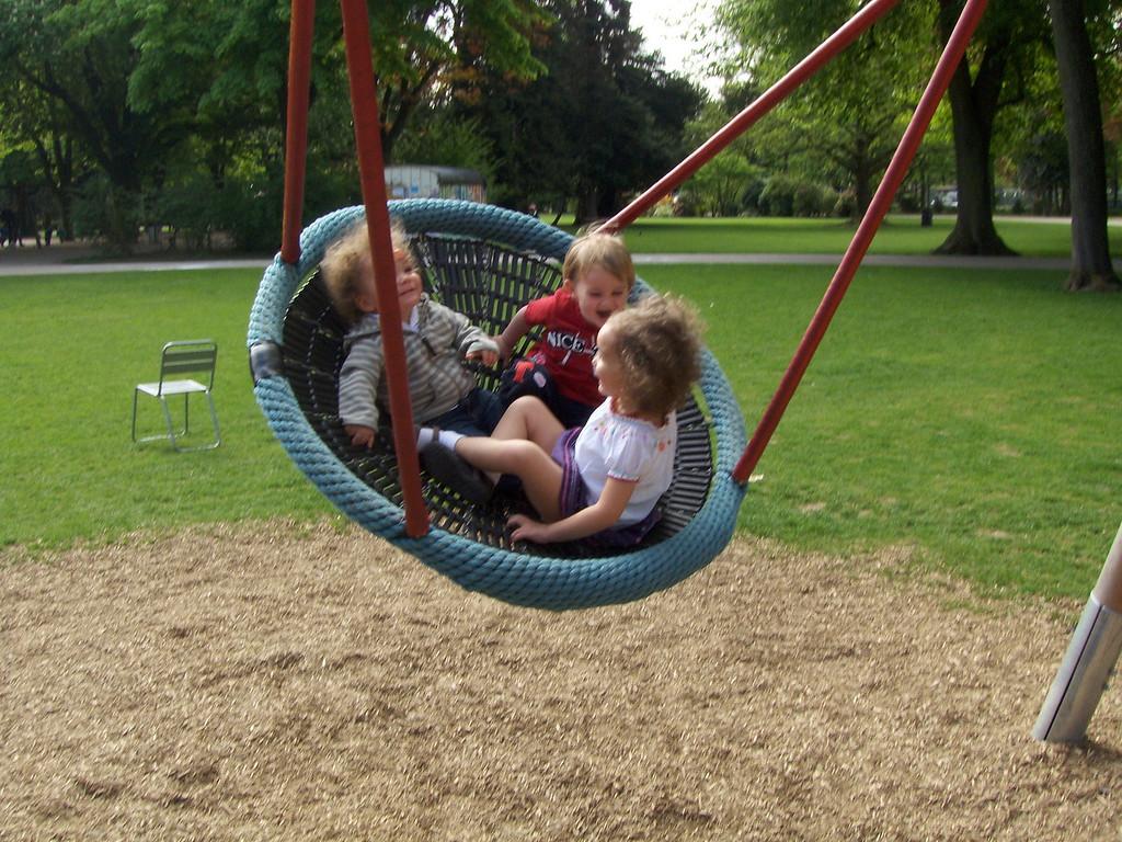 Cullen, Jack & Kaili loving the swing