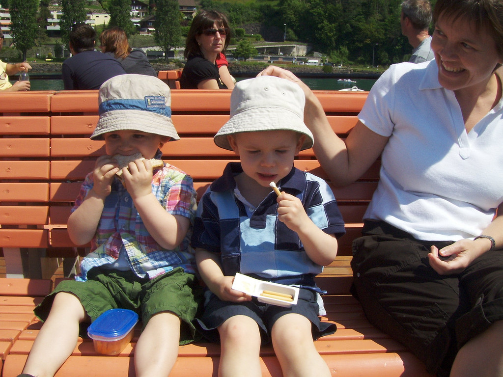 Jack & Findlay having lunch on the boat