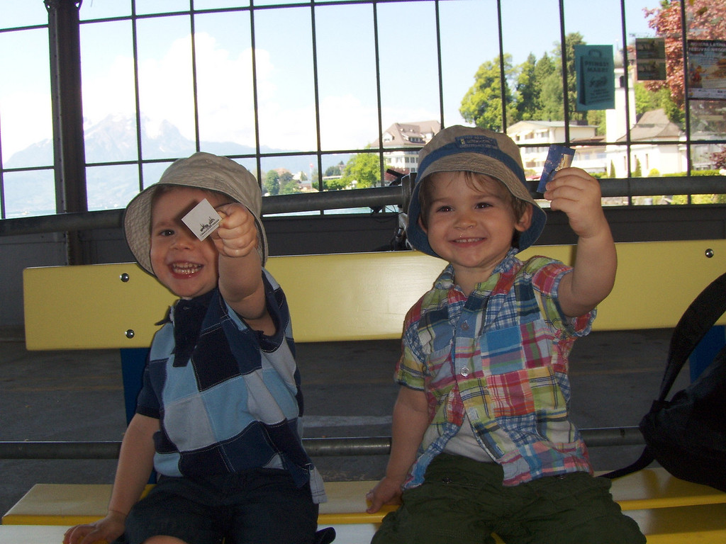 Findlay & Jack have their tickets ready for a steamboat ride on Lake Luzern