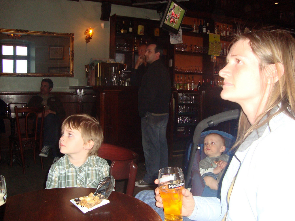 We managed to watch the Munster v. Leinster Heineken Cup semi-final in The Pub!