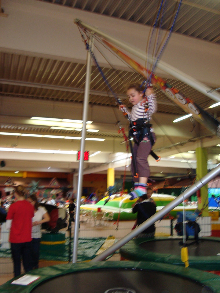035 Kaili on the bungee