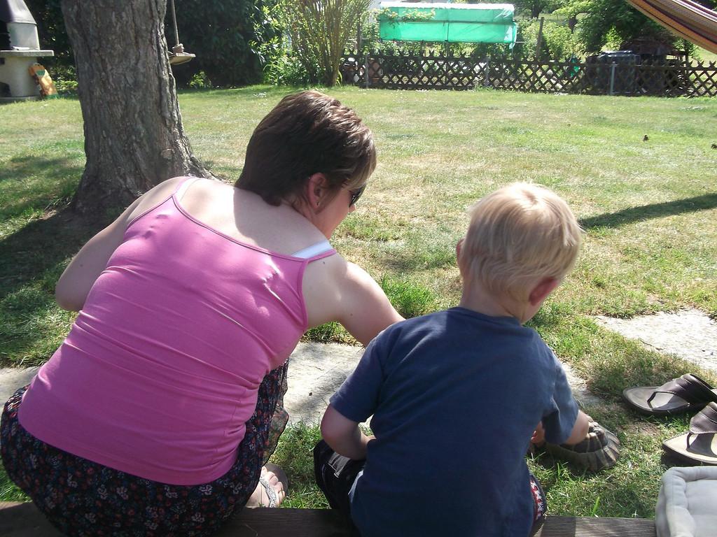 Sharon & Danny petting the tortoise