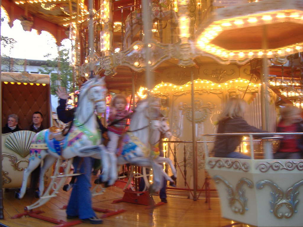 Kaili & Findlay went on the carousel at the Herbstmesse, this was the best picture I got!