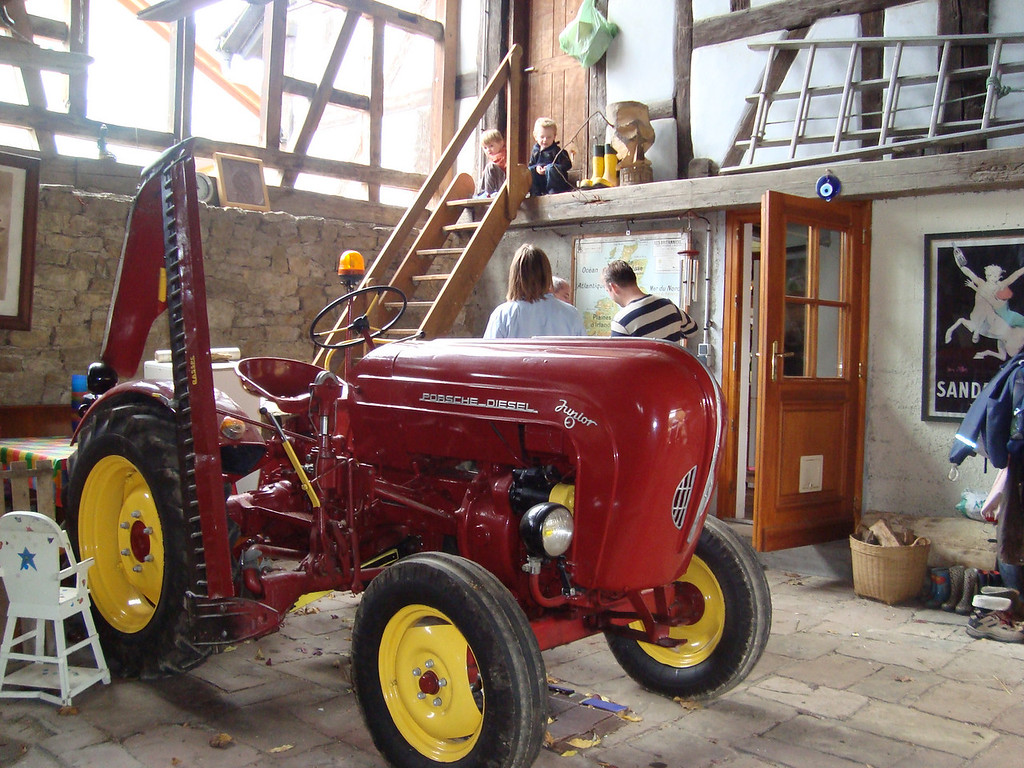 032 Tractor