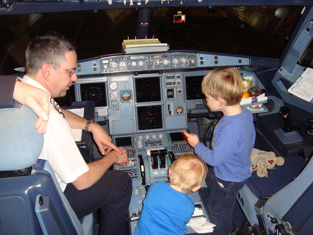 035 Cockpit