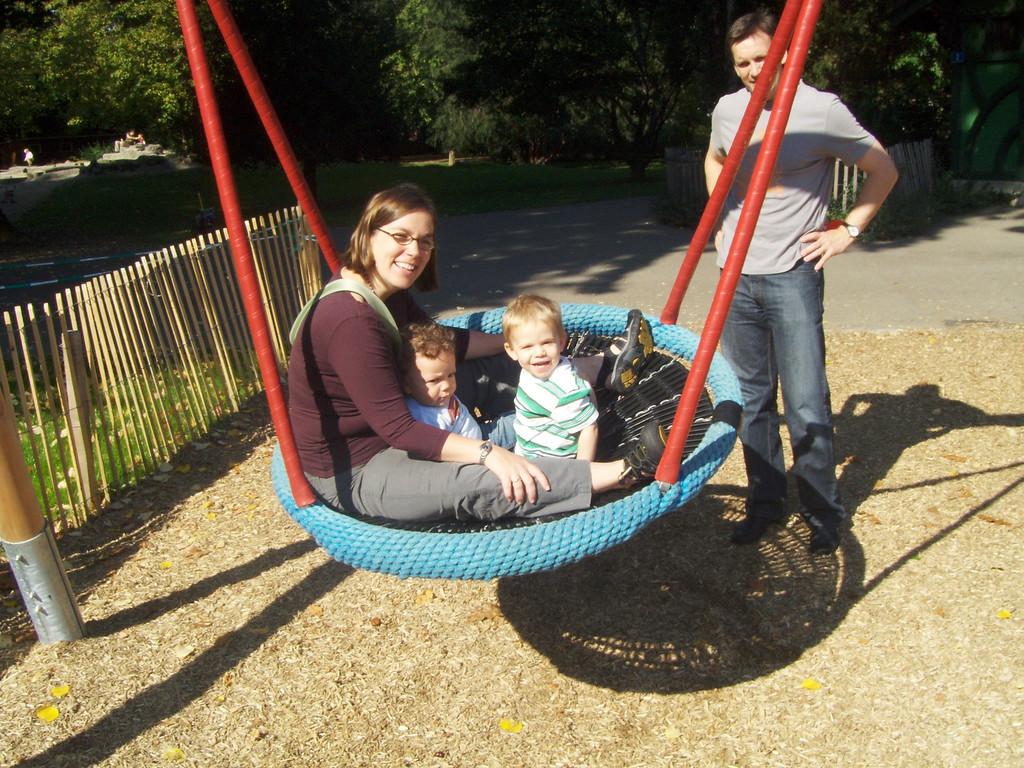 Rhonda, Cullen & Findlay swinging in the sunshine