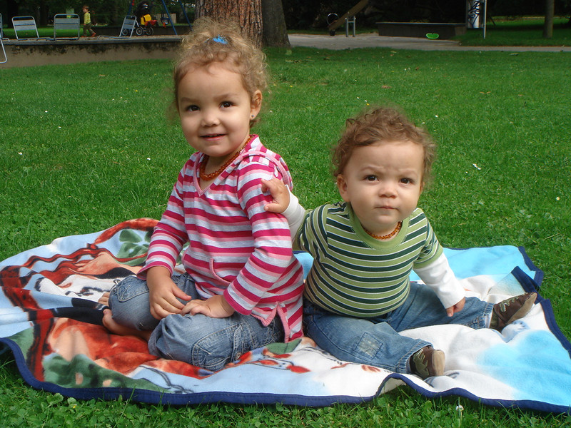 Kaili & Cullen looking gorgeous in the park