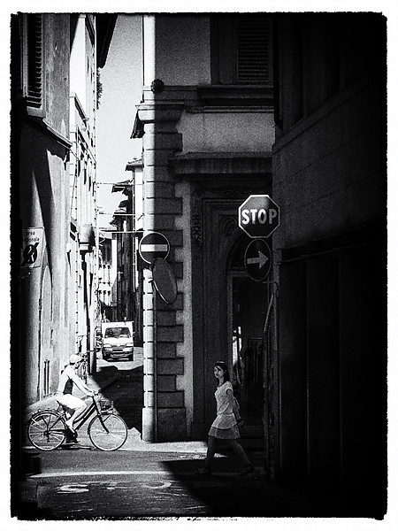 City Life ... Walking, Biking and Driving in Florence Italy