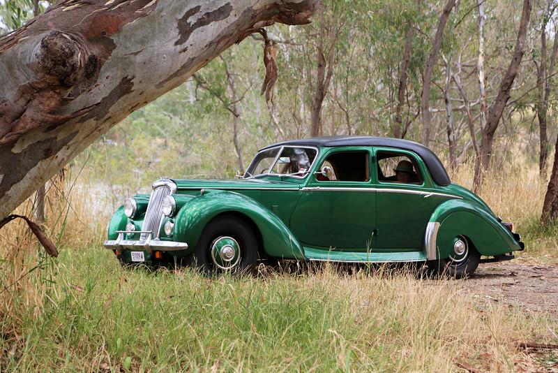 Australian landscapes and scenes -  Murray, Lake Hume region.  John & Brenda Gibbs's Riley at Albury.